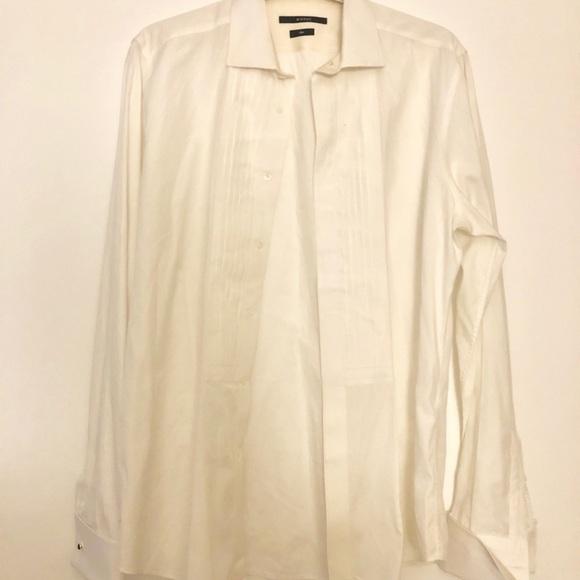 7c81eda6d Gucci Dress Shirt. Gucci. M_5ccf592b264a555fc02db448.  M_5ccf592a138e18bee7be18c2. M_5ccf592cabe1cea40322a310.  M_5ccf592e2f48314e400a9762